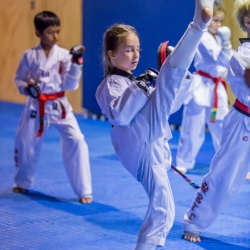 tkd - kids 7plus kick6.jpg