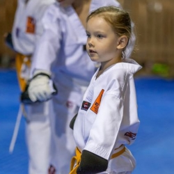 tkd - kids 4ot6 front stance low block2.jpg