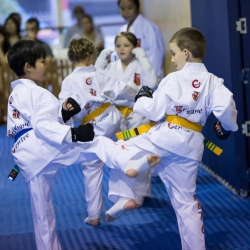 tkd - kids 7plus spar4.jpg